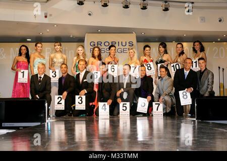 Miss & Mister Wahl 2009  in den Berliner Gropius Passagen. Anne Julia Hagen belegte Platz 1.,Florian Kötting belegte - Stock Photo
