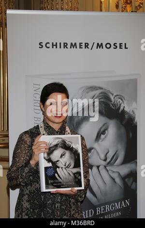 Isabella Rossellini,  Isabella Rosselini praesentiert das große Schirmer / Mosel-Buch ueber ihre Mutter 'Ingrid - Stock Photo