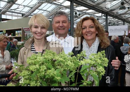 Heinz O. Wehmann (Landhaus Scherrer), Susann Atwell und Bettina Tietjen, Charity Versteigerung von durch Prominente - Stock Photo