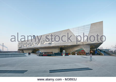 Phaeno science center by architect Zaha Hadid in Wolfsburg, Germany - Stock Photo