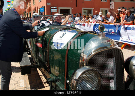 Ospitaletto, Italy. 21th, May 2017.  The race judges check the car withcrew composed by Mark Hulsbergen and Hans - Stock Photo