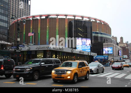 New York, USA. 9th Feb, 2018. Famous venue Madison Square Garden towers over Penn Station in New York, US, 9 February - Stock Photo