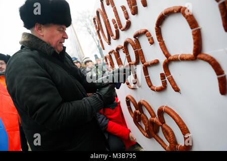 Kaliningrad, Russia. 10th Feb, 2018. KALININGRAD, RUSSIA - FEBRUARY 10, 2018: Celebrating Long Sausage Feast, a - Stock Photo