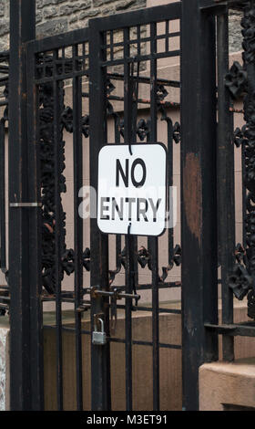 No Entry sign on a gate of a private entrance - Stock Photo