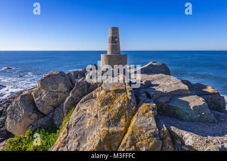 Atlantic Ocean shore in Leca da Palmeira district of Matosinhos city in the northern Porto district of Portugal - Stock Photo