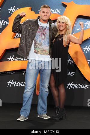 Annemarie Eilfeld mit  Tom Schwarz ,   Hercules  Europa Premiere im Sony Center Berlin am 21.08.2014 - Stock Photo