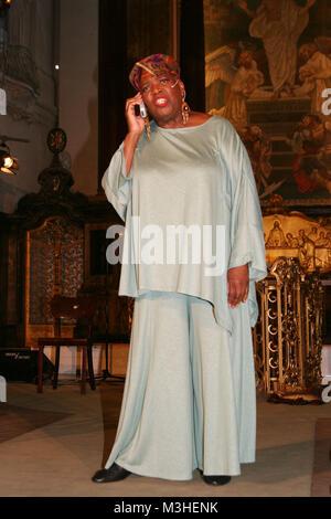 Joanne Bell bei der Oh Happy Day Premiere in Hamburger Michel am 25.08.2006 - Stock Photo