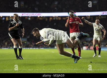 Twickenham, UK. 10th February, 2018: England's Jonny May scores his sides second try during the NatWest 6 Nations - Stock Photo