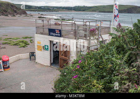 The Lifeguards station building on Bigbury Beach, Bigbury-on-Sea, Devon, UK. - Stock Photo