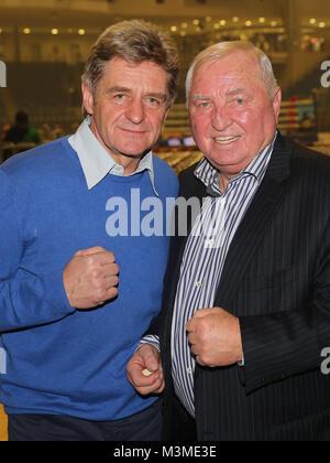 Georg Bramowski und Ulli Wegner (beide Team Sauerland) als Ehrengäste der SES-Box-Gala am 12.11.16 in der GETEC - Stock Photo