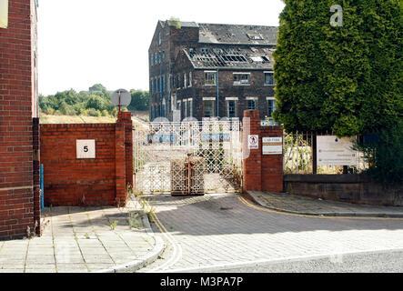 The Historic gate of the Royal Doulton ceramic pot bank factory, closed down, and awaiting demolition, 2009, Burslem, - Stock Photo