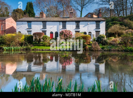 Beautiful White Cottages at The Dell, Lymm, Cheshire, England, UK - Stock Photo