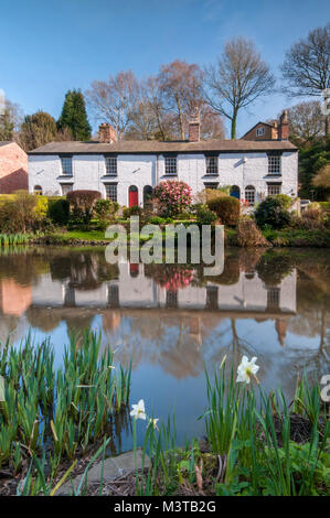White Cottages at The Dell, Lymm, Cheshire, England, UK - Stock Photo