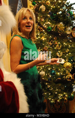 141203-D-FW736-006 – Dr. Jill Biden, wife of the Vice President, admires the decorations on the holiday trees at - Stock Photo