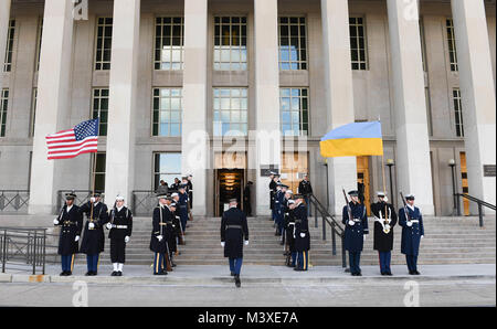 Members with the Joint Armed Forces Honor Guard participate in an Armed Forces Cordon ceremony hosted by U.S. Secretary - Stock Photo