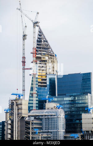 The scalpel under construction in lime street london uk for Home under construction insurance