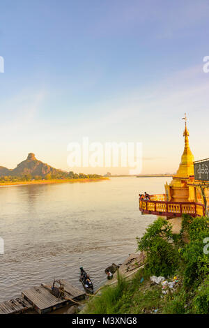 Hpa-An: Thanlwin (Salween) River, Shweyinhmyaw Paya temple pagoda, mount Hpan Pu, , Kayin (Karen) State, Myanmar - Stock Photo