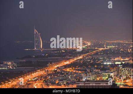 Dubai, UAE. 11th Feb, 2018. DUBAI, UAE - FEBRUARY 11, 2018. A panoramic view of Dubai at night.  Credit: ASWphoto/Alamy - Stock Photo