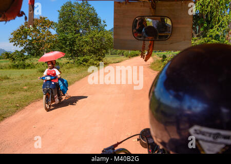 Hpa-An: Tuk-tuk (Thone Bee) taxi sidecar, motorbike, , Kayin (Karen) State, Myanmar (Burma) - Stock Photo