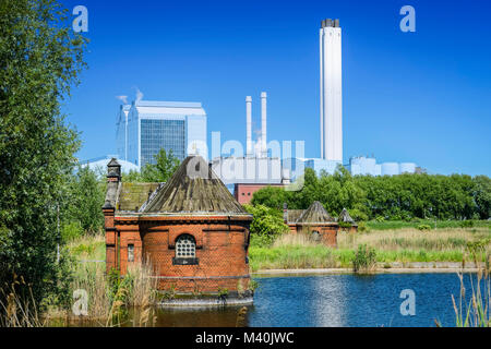 Historical spool cottage in cold courtyards and combined heat and power plant, Deep Stack Rothenburgsort, Hamburg, - Stock Photo