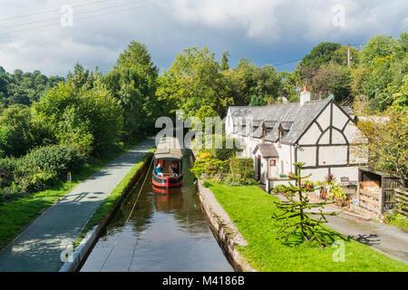 Llangollen canal, horse drawn barge trips, Denbighshire, Wales, UK - Stock Photo