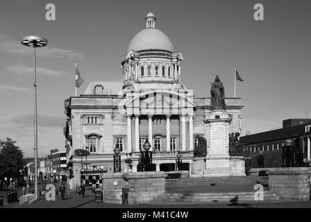 Queen Victoria square, Hull City Hall, Kingston Upon Hull, City of Hull, King Edward Street - Stock Photo