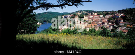 France, Lot, Puy L'Evêque village in the Lower Lot valley - Stock Photo