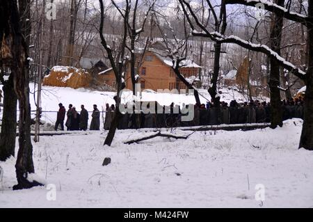 Anantnag, India. 13th Feb, 2018. People carry a dead body of a Slain army personal Manzoor Ahmad Deva who was killed - Stock Photo