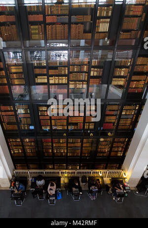 The King's Library tower at the Grade 1 listed British Library, Euston Road, London, England - Stock Photo