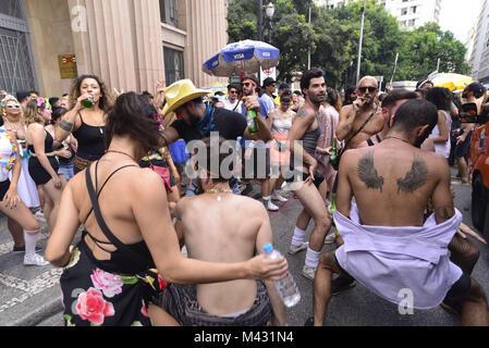 Sao Paulo, Brazil. 13th Feb, 2018. Revelers pose during street Carnival celebrations. Street carnival in Sao Paulo, - Stock Photo