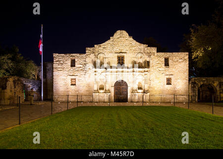 SAN ANTONIO, TEXAS - NOVEMBER 27, 2017 - Front view of the Alamo. The Alamo was founded in the 18th century as a - Stock Photo