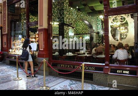 Famous Hopetoun tearooms at The Block shopping arcade in Melbourne - Stock Photo