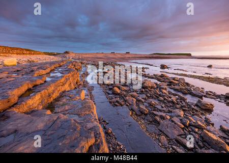 Coastal sunset near Enniscrone, Killala Bay, County Sligo, Ireland. - Stock Photo