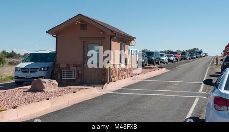 Memorial Day weekend is the busiest weekend of the year. Visitors to Canyonlands had to wait in line at the entrance - Stock Photo