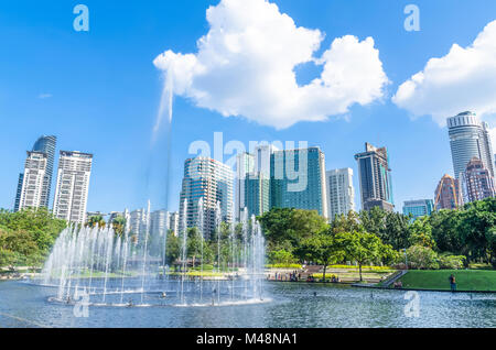 Kuala Lumpur - February 12,2018 : Spectacular dancing water fountains at the Lake Symphony,KLCC. - Stock Photo