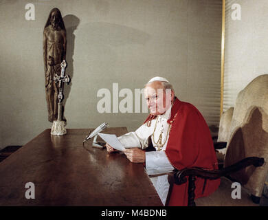 June 10, 1979 Speech by Pope John Paul II to mass media professionals in Krakow during their trip to Poland. - Stock Photo