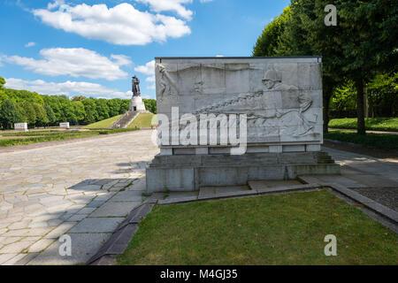 The Soviet War Memorial in Berlin's Treptower Park. - Stock Photo