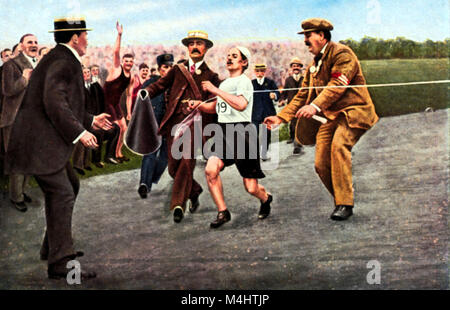 Athletics, Dorando Pietri at the finish, Marathon, Olymic Games 1908 in London, Great Britain - Stock Photo