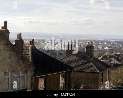 Minster on sea, Kent, UK. 18th Feb, 2018. UK Weather: another sunny and warm day in Minster on sea on the Isle of Sheppey in north Kent. Temp: 10c. Credit: James Bell/Alamy Live News