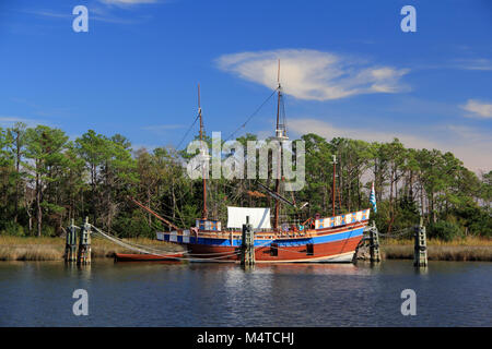 The Elizabeth II replica ship is one of the main attractions at the Roanoke Island Festival Park in the quaint coastal - Stock Photo