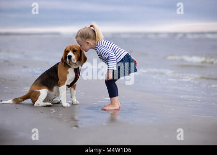 Best Sea Beagle Adorable Dog - girl-and-cute-dog-beagle-by-the-sea-m4w1d6  Picture_124128  .jpg
