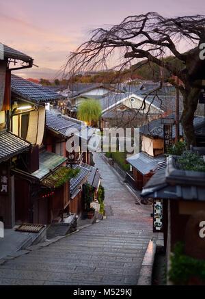 Yasaka dori historic Kyoto street empty and quiet in early morning, tranquil sunrise autumn city scenery. Higashiyama, - Stock Photo