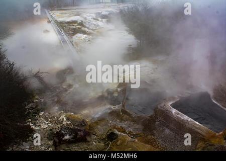 Hot thermal pool bath