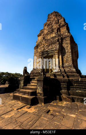 East Mebon Angkor Wat Siem Reap Cambodia South East Asia is a 10th Century temple at Angkor, Cambodia. Built during - Stock Photo