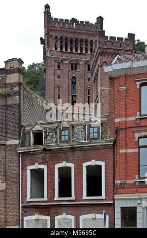 Cheratte, Steinkohlenzeche HASARD, Malakowturm über einem leerstehenden Wohnhaus - Stock Photo