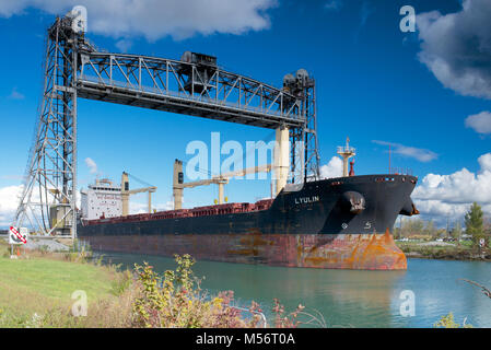 The Lyulin bulk carrier passing through the Welland Canal - Stock Photo