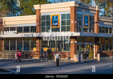 ALDI store in Metro Atlanta, Georgia is part of the international discount supermarket chain based in Germany with - Stock Photo