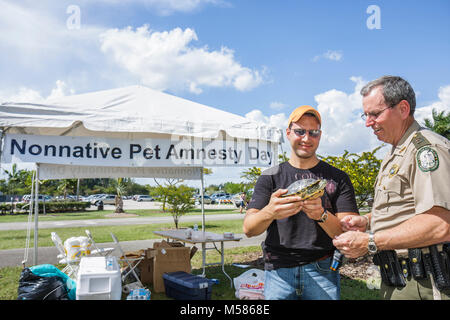 Florida, FL, South, Miami, Metrozoo, Nonnative Pet Amnesty Day, unwanted exotic animals, Fish and Wildlife Conservation - Stock Photo