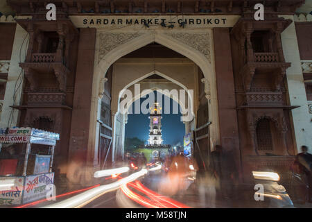 An Tuktuk Autorickshaw driver trying to kick-start his vehicle on a morning in the blue city of Jodhpur, Rajasthan - Stock Photo