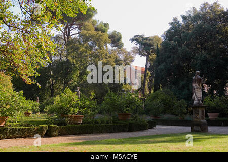 Giardino Corsini al Prato, Florence, Tuscany, Italy: view from the palace across the box hedging and lemon trees - Stock Photo
